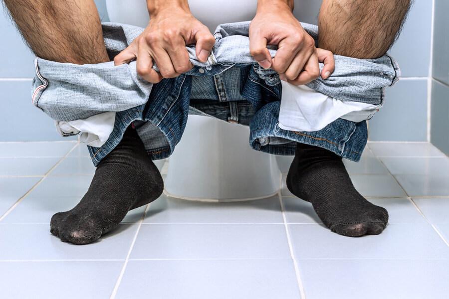 Як швидко сходити в туалет при запорі?